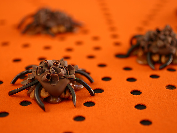 Picture of Pecan-Caramel Spiders Recipe